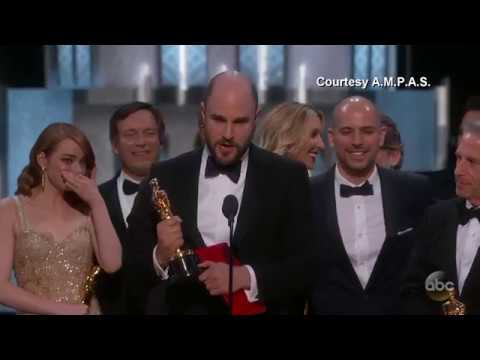 (New) Moonlight or la la land? best picture mix-up at oscars