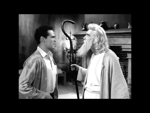 (HD) Twilight zone reviews the howling man
