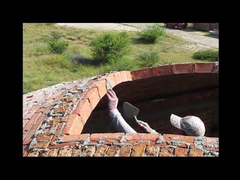 (HD) Impressively skilled bricklayers, vault construction.