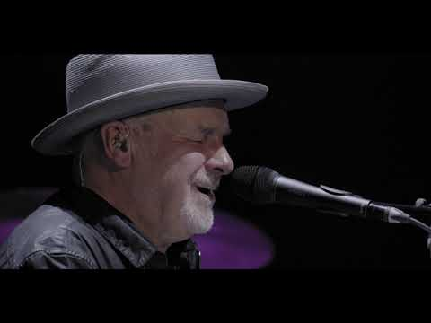 (New) Paul carrack - love will keep us alive (live)