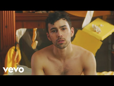 (New) Max - love me less (feat. quinn xcii) (official video)