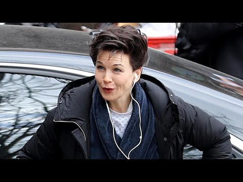 (HD) Renée zellweger is unrecognizable as she totally transforms into judy garland for new biopic