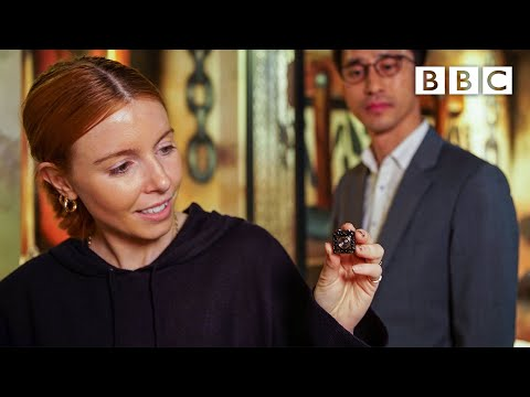 (HD) How many spycams can stacey dooley find in a love motel bedroom?   bbc