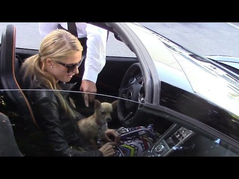 (New) Paris hilton doesnt know how to start her new car