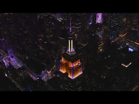 (New) Empire state building light-to-music 30th anniversary show | the phantom of the opera on broadway