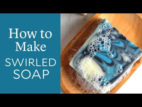 (HD) How to make swirled cold process soap