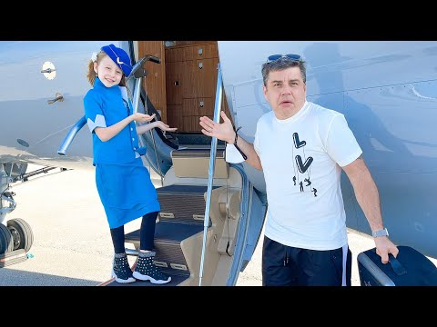 (Ver Filmes) Nastya pretends to be a flight attendant for dad on the plane