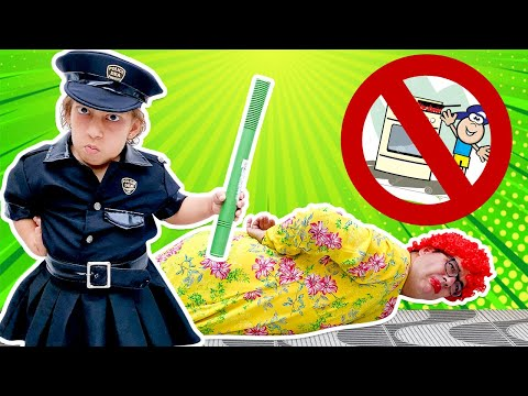 (New) Maria clara finge brincar de ser policial (new collection stories for kids) - mc divertida