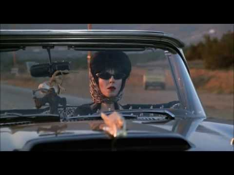 (New) Elvira: a rainha das trevas (1988) [trailer oficial]