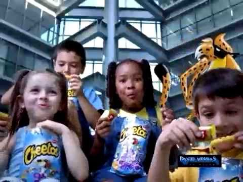 (New) Comercial elma chips - chester cheetos - molhoucos